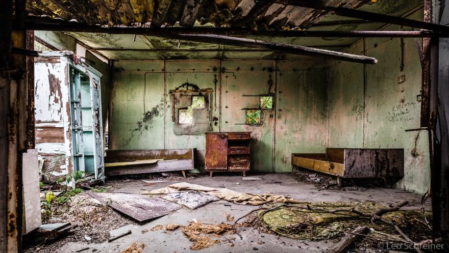 abandoned_01_01