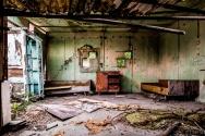 abandoned_01_01_32