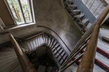 abandoned_29_03