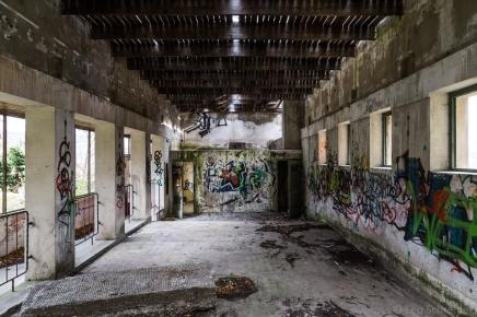 abandoned_30_15
